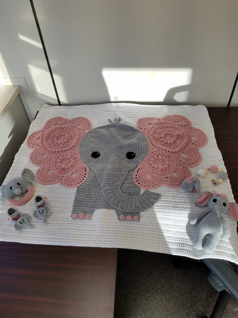 Amazon.com: Elephant Rug: Handmade   1067x800